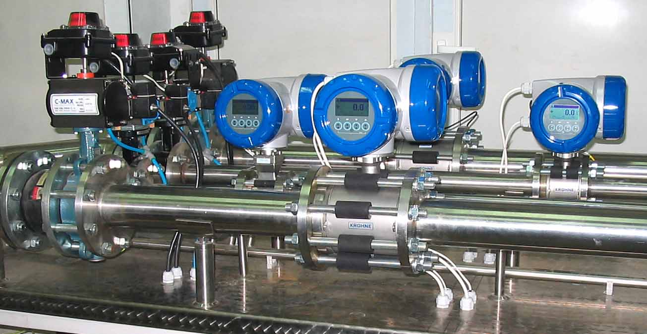 Flow Measuring Instruments : Flow meters calibration test bench of high accuracy